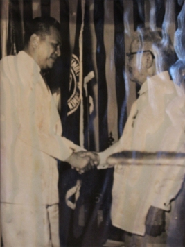 Pres. Magsaysay Meets the First President of the Philippines, Emilio Aguinaldo