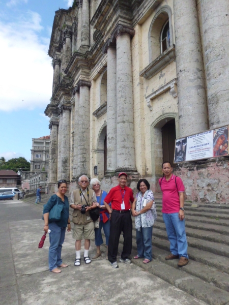 Taal Basilica_group shot